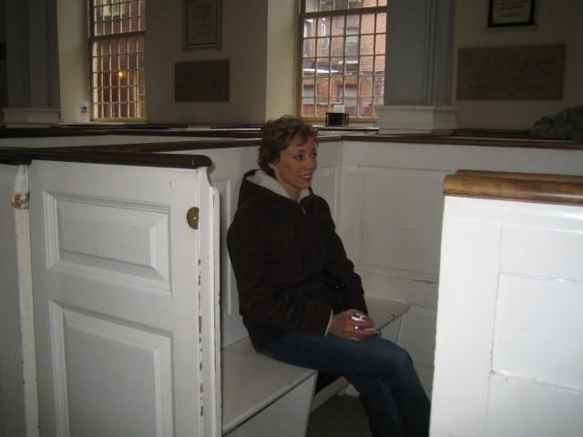 Boston - Glenda in pew box