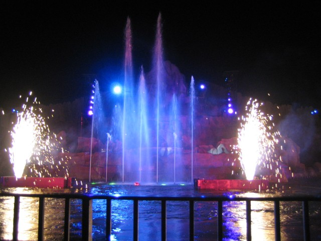 Fantasmic fountains and fireworks