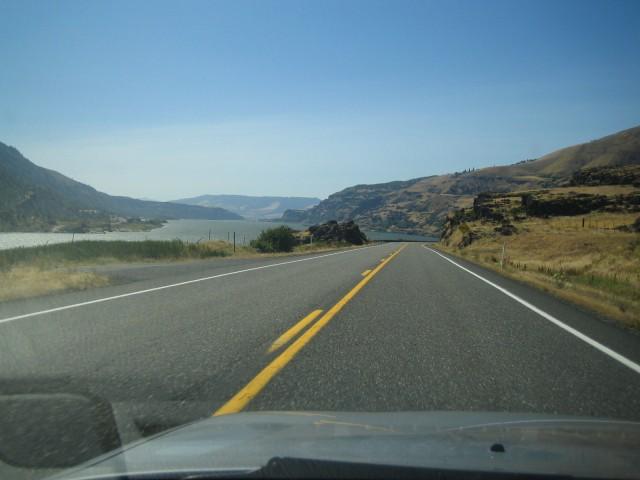 Driving along the Columbia Gorge